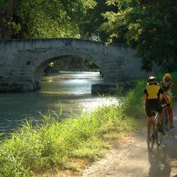 Velo sur le canal de Bourgogne